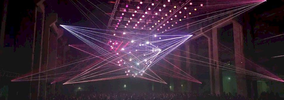 Spectaculaire kinetische 3D lasershow