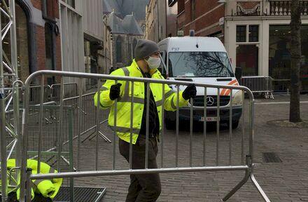 MaisonRouge helpt Gent veilig shoppen met de inzet van safety hosts.  - Foto 1