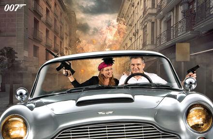 Rijd in de iconische Aston Martin van James Bond - Foto 1