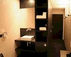 Luxe hotelkamer in een container
