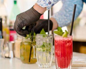 Virtuele mocktail workshops en alcoholvrije apéro boxen, speciaal voor Tournée Minérale