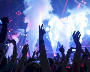 'Dure dj's maken het onmogelijk voor festivals om winst te maken'
