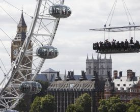Dinner in the Sky verovert Parijs en Londen