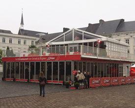 Q-music restaurant in dubbeldekker van De Boer
