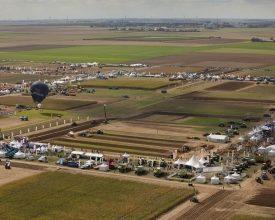 De Boer bouwt één maand aan gigantisch tentendorp