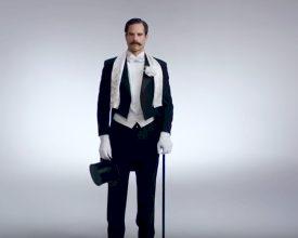 Honderd jaar feest-outfits in drie minuten