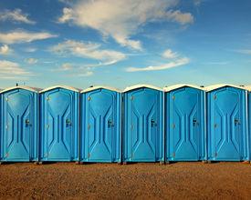 """E-mails Fyre Festival uitgelekt: """"Helft van wc's is wel genoeg"""""""