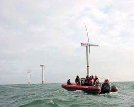 Teambuilding in het gezelschap van de Noordzee wind