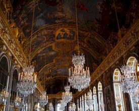 13 verbluffende eventlocatie-plafonds die je gasten zullen betoveren