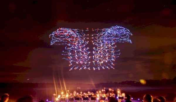 Lichtshow met drones verbreekt wereldrecord
