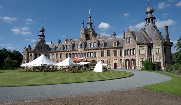 Historische decors en rekwisieten binnen handbereik