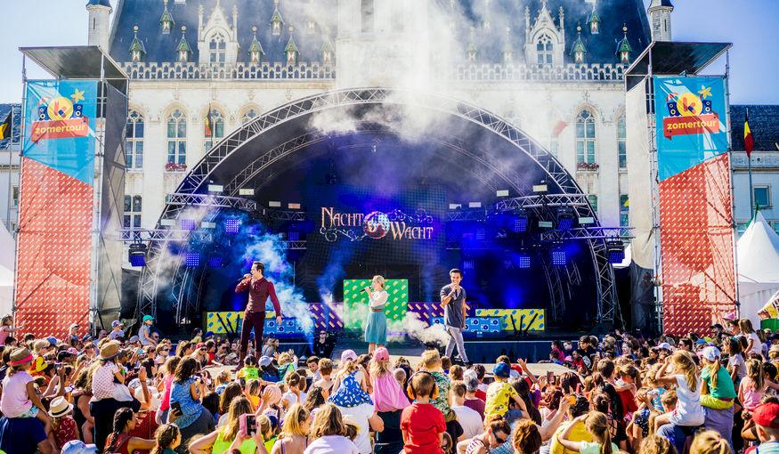 Hoe kies je het perfecte podium voor jouw event?